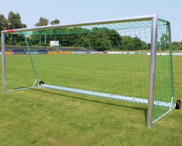 Freistehendes Fußballtor 7,32 x 2,44 m  Kippsicher vollverschweißt Netztiefe 80/200 cm