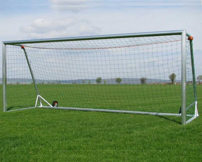 Freistehendes Fußballtor 7,32 x 2,44 m Aluminium vollverschweißt kippsicher Netztiefe 80/200 cm