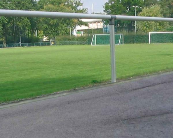 Sportplatz Barrieren System Pfostenabstand 2,50 m