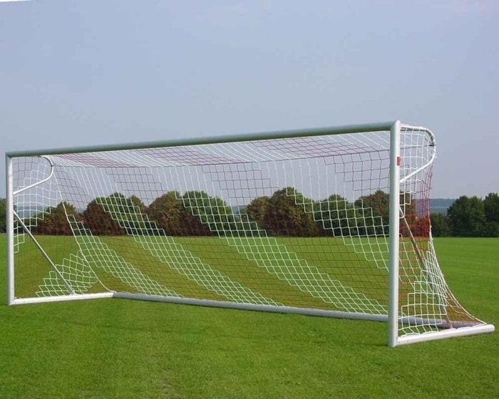 Freistehendes Fußballtor 7,32 x 2,44m Aluminium eckverschweißt Netztiefe 80/150 cm