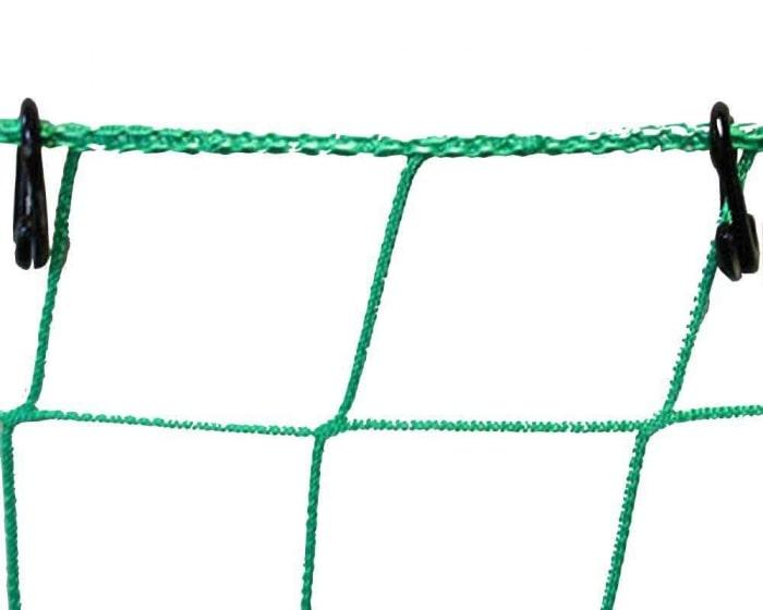 Offene Ringe aus Nylon 3 Stück je Meter am Ballfangnetz befestigt